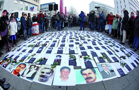 Schweigemarsch für die Opfer von Neonazis
