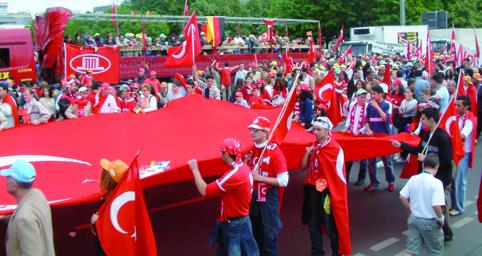 türk yürüyüsü 2003 043