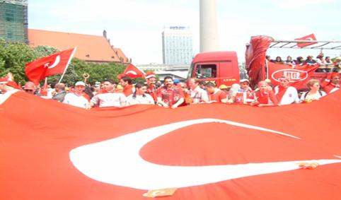 türk yürüyüsü 2003 048